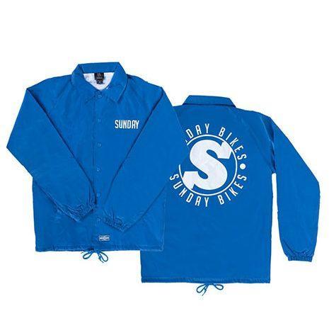 SUNDAY Holiday16 Badge Coaches Jacket Group Blue 1 e1548423686466