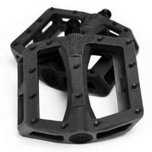 dak pedals black e1548537663435